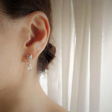 Huruhuru Soranotane 『飾り猫』Pierced-Tear Drop-