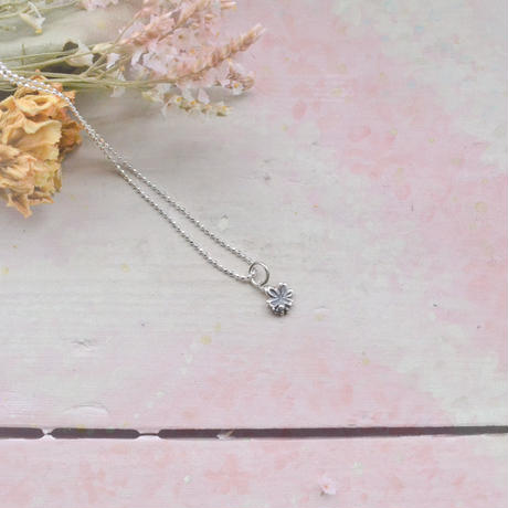 銀の滴ふるふる-水桜-ペンダントトップ/アンティーク