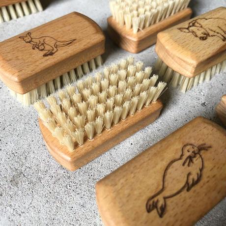 """""""REDECKER"""" Animal nail brush"""