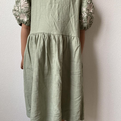 embroidery puff sleeve  one-piece