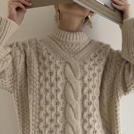 neck design cable knit