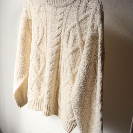 crewneck cable  knit