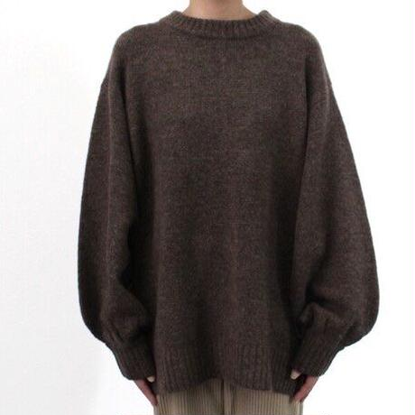 Back slit knit