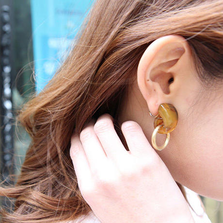 Tortoise ring earring/pierce
