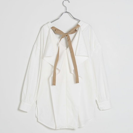 Back ribbon frill blouse