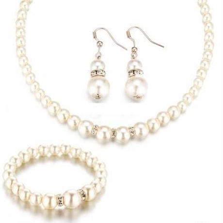 Pearl necklace,earring,blacelet Set