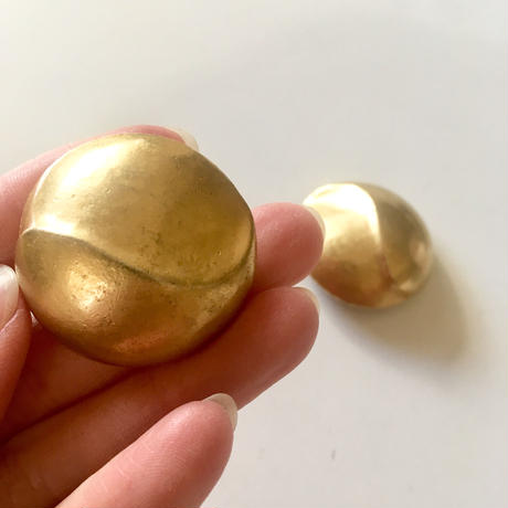 Vintage 80s gold tone earrings