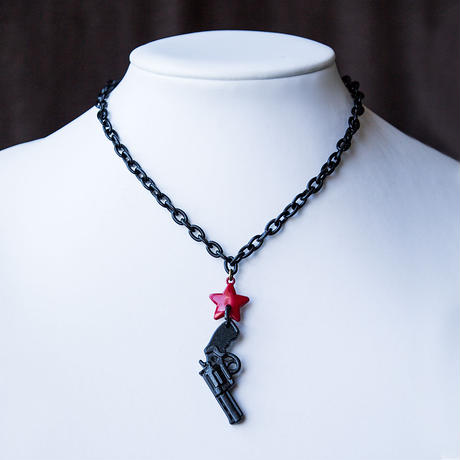 one point necklace pistol