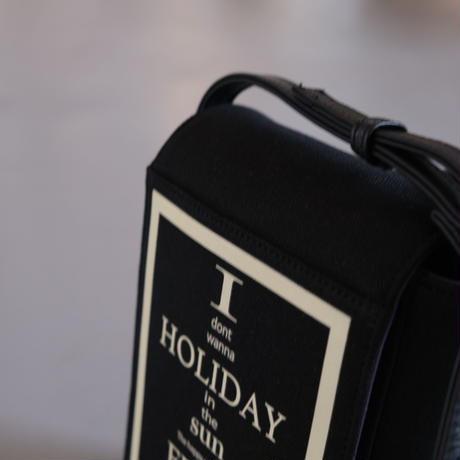 INTOXIC.   HOLIDAY VHS CROSS CARRY  black