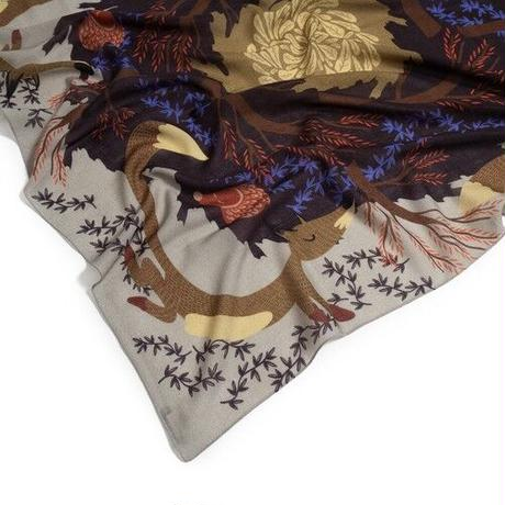 Merino Wool 'Fox Burrow' grey 正方形スカーフ