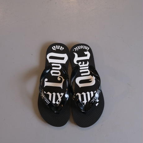 INTOXIC.  beach sandals
