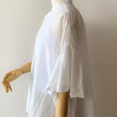 suzuki  takayuki    balloon-sleeve blouse   nude