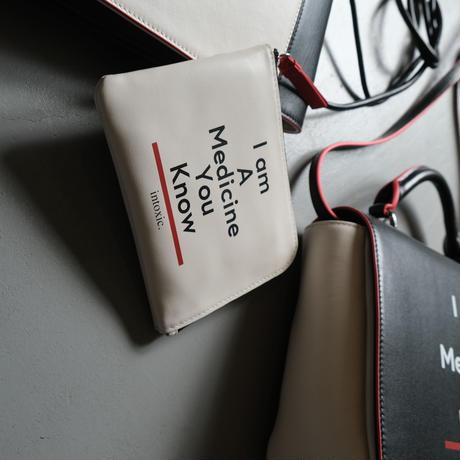 intoxic. イントキシック L-zipper multi case LT-008