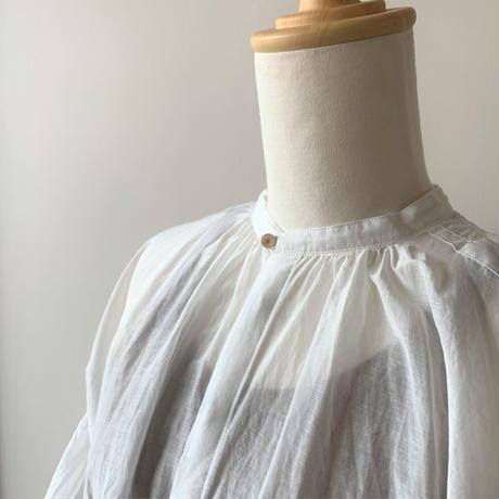 suzuki   takayuki    puff-sleeve blouse    nude