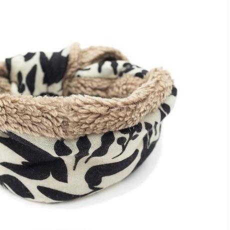 YARN&COPPER  Merino Wool 'Bramley Hedge' Cream リバーシブルヘッドスカーフ/ミニスカーフ