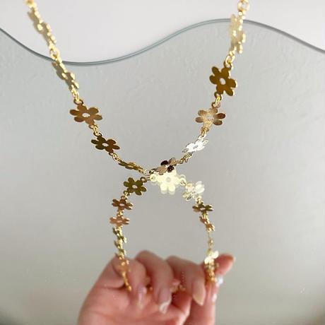(389)daisy flower choker necklace