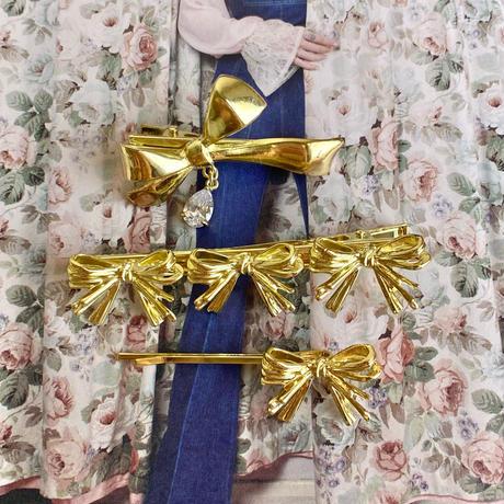 (393) crystal ribbon gold clip