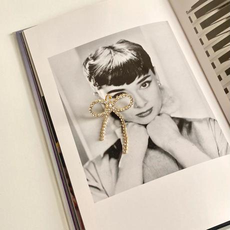 (385)crystal ribbon ear cuff