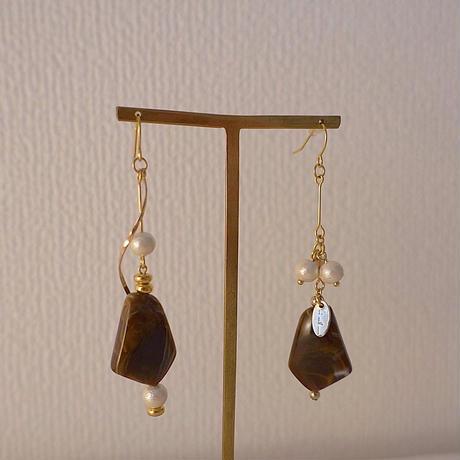 Brown asymmetry pierce/earring