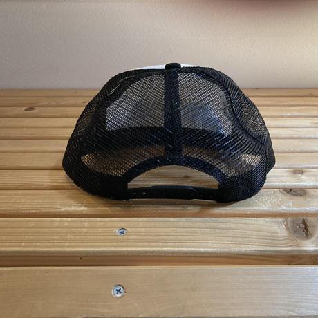 huntstored『ROCK』FLAT SHORT MESH CAP  (ホワイト×ブラック)