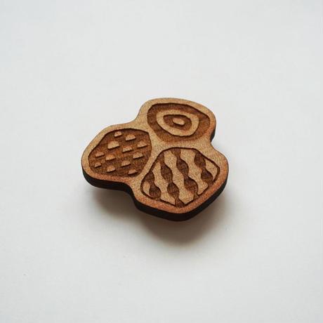 木製ブローチ【久井の岩海】