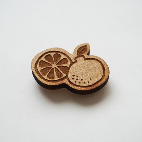 木製ブローチ【さぎしまみかん】