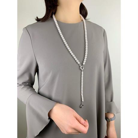 HAKUA  swarovski  8mm Long Y necklace