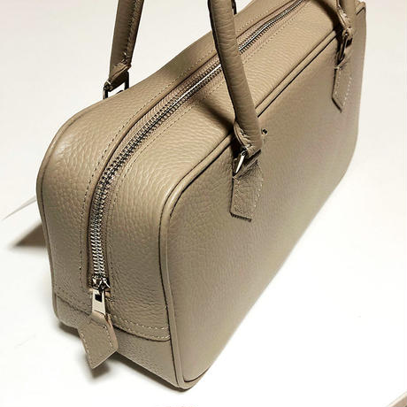 square leather bag grege