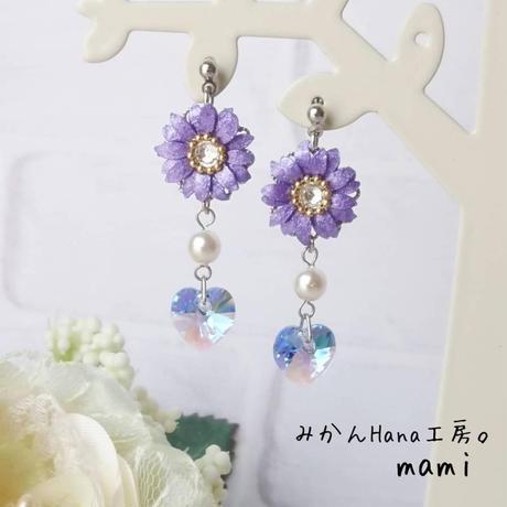 【mm001】キラキラお花のゆれるピアス (フラージュ)