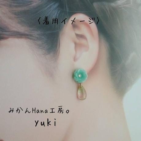 【yk204】お花とドロップビーズのイヤリング [ピアスへの変更不可](パピエル)