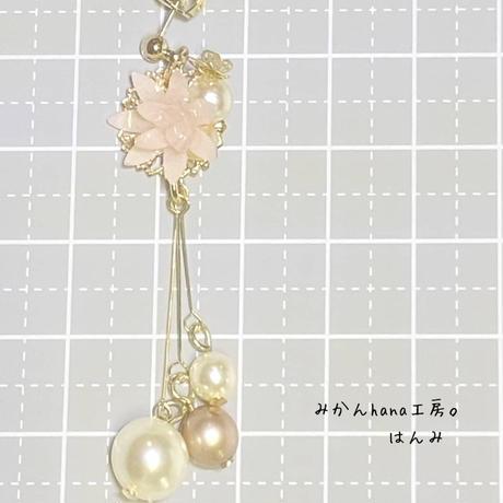 【hm301】小さな花と揺れるパールのピアス[イヤリング金具変更可](美乃花)