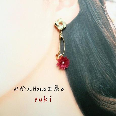 【yk201】小花と蝶々のピアス[イヤリングへの変更不可](パピエル)