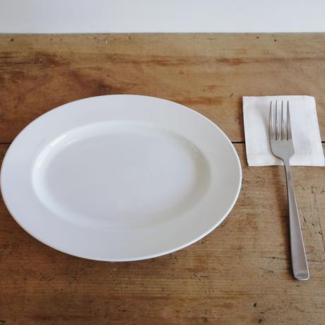 白磁のお皿 10リムオーバルプレート