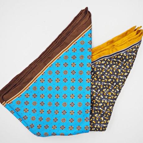 ブルーベージュフラワープリントポケットチーフ