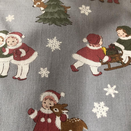 ライトグレー地子供柄クリスマス