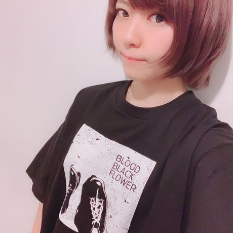 BLOOD BLACK FLOWER Tシャツ