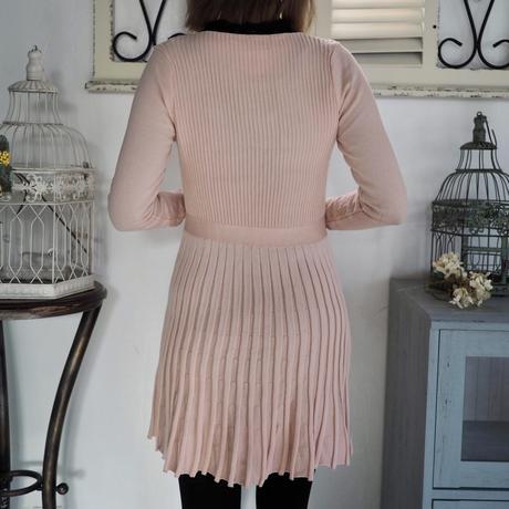 Ribbon collar pleated dress