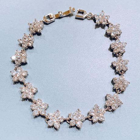 AAAcz Denphalae Bracelet