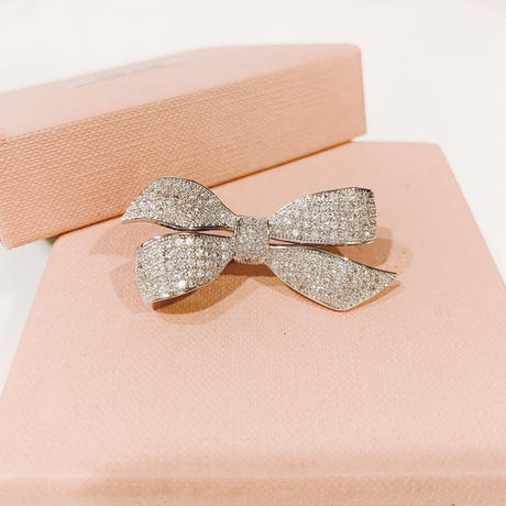 AAAcz Ribbon Brooch