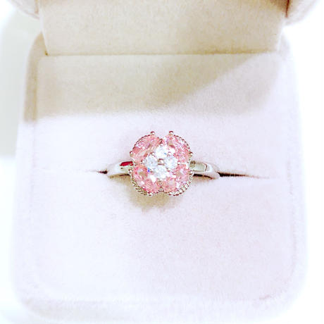 AAAcz Strawberry Flower Ring