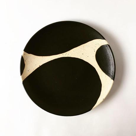 モノクロ皿(ブチ)