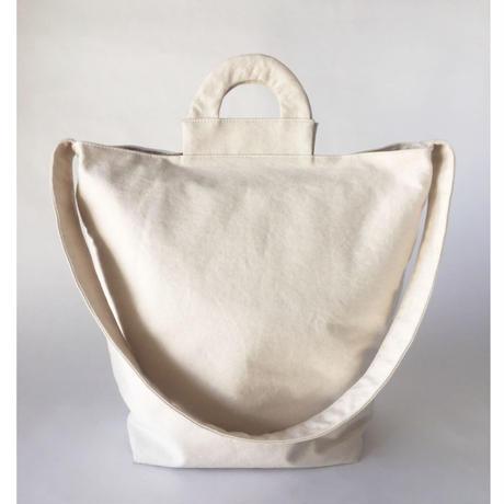 □在庫あり□ arch shoulder tote - off white -