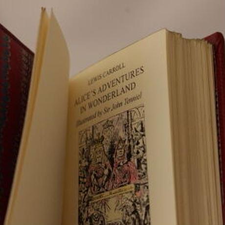 Alice's Adventures in Wonderland -Collector's Edition 不思議の国のアリス 愛書家版