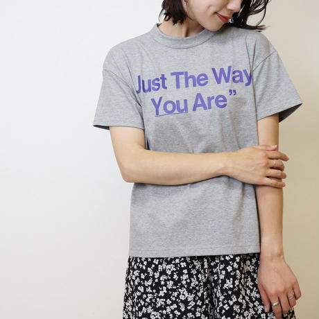"【  Aima+saie | アイマサイエ 】 オリジナルサイドジッププリントtee |  ""Just The Way You Are"" 