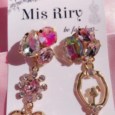 【Mis Riry】アシンメトリーシリーズ ピンク バレリーナ ピアス ハンドメイド《ネコポス送料無料》