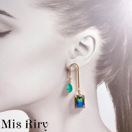 【Mis Riry】アシンメトリーシリーズ クラックピアス ニッケルフリー ハンドメイド《ネコポス送料無料》