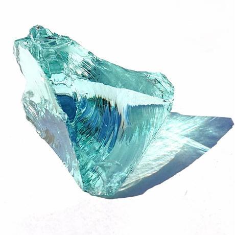 【一点モノ!&超レア!】MIRIAMショップ初のお取り扱いのスピリチュアルクリスタル!完璧なる美の光、宇宙のエネルギーを秘めたネリーランド産「アンダラクリスタル原石(アクアセレニティー)」