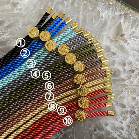 選べる!多彩な紐の色【10色】!幸運を呼ぶ守護石…☆彡今日からの運命を変えたい貴方へ…☆彡自分を愛し、尊重する愛の実践と放射!【「MIRIAM」ラピスラズリアミュレットLOVE♡ブレス】