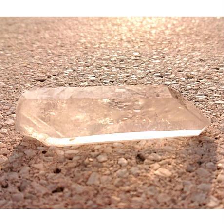 【一点モノ&早い者勝ち!】浄化・魔よけ・結界・ヒーリングに☆彡「MIRIAM」厳選☆彡【ブラジル産透明水晶ポイント】