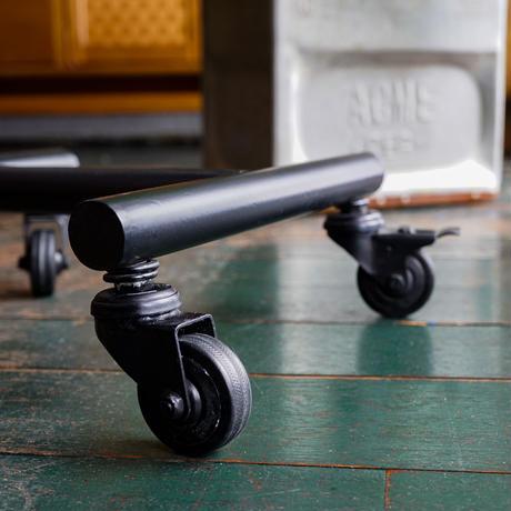GRANDVIEW SIDE TABLE / ACME Furnituree